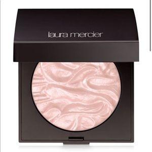 🆕 Laura Mercier Devotion Face Illuminator